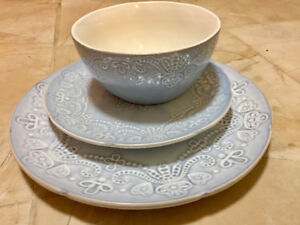Dish ware set for two - very good condition