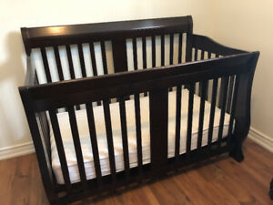 Wooden Espresso Crib (+ Mattress & Fitted Sheet)