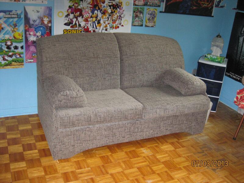 Sofa lit fauteuils futons longueuil rive sud kijiji for Ameublement rive sud