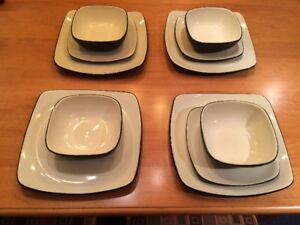 "10 piece porcelaine set  ""Corelle Hearthstone"" (square shape)"