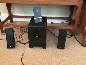 Logitec speakers and sub
