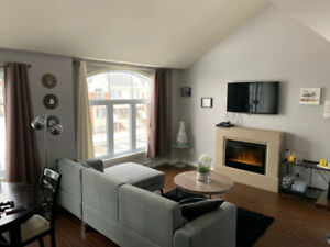 Beautiful condo with 1287 sqft of living space with a beautiful