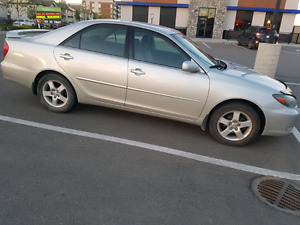 SINGLE OWNER TOYOTA CAMRY LOW KMS