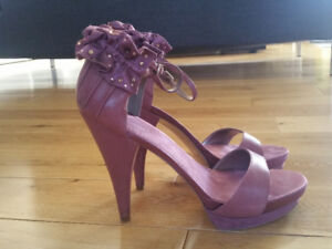 Woman's shoes size 10 & 11