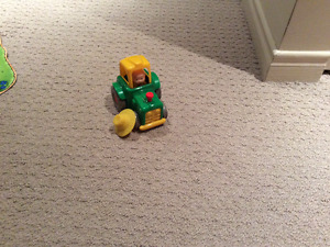 Cailou tractor ONLY $3