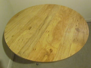 42 Inch Round Pedestal Table For Sale Cornwall Ontario image 2