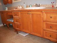 Meubles de salle de bain + bain tourbillon + Lavabo