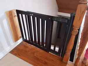 Child or baby gate