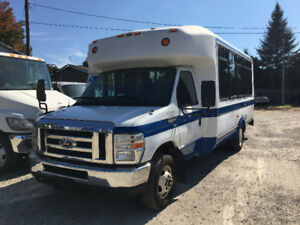 2009 Ford E-350 ELDORADO WHEEL CHAIR LIFT BUS