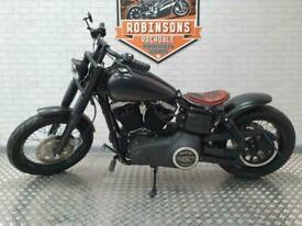 2013 HARLEY DAVIDSON STREET BOB IN BLACK WITH ONLY 322