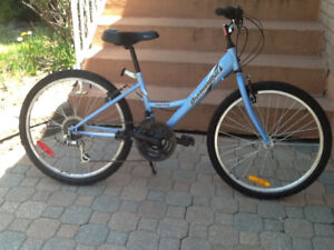Mountain bike Diamondback