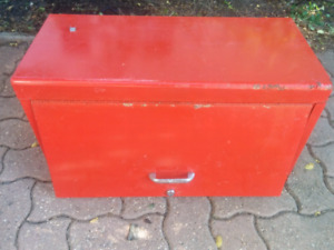 Red heavy duty tool box chest 26 X 12 X 15 (H) inches