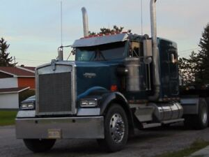 1995 Kenworth W900 with remaining 2 year CAT Warranty