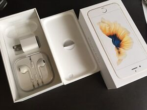 Box of iPhone 6S and new headphones West Island Greater Montréal image 3