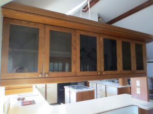 upper kitchen cabinets