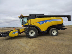 2011 New Holland CX 8080 Combine