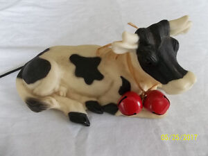 Téléphonnne modele vache noir et blanc.