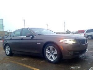 2011 BMW 528i FULLY LOADED WITH NAVI