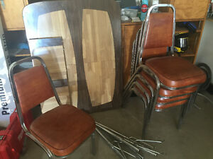 Table & 5 chairs