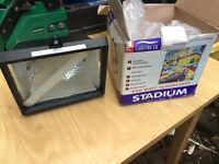 500 watt floodlight/security light BRAND NEW IN BOX. Comes with halogen lamp inside