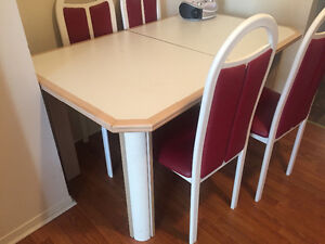 Bedroom set, crib, dining table with chairs Windsor Region Ontario image 5