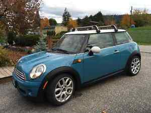 2008 MINI Mini Cooper chrome/blk/blue Hatchback