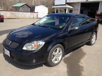 2009 PONTIAC G5, 128,000 KMS, BRAND NEW TIRES, GREAT CAR!!!