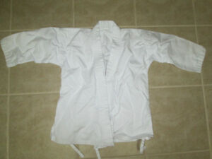 KID'S KARATE UNIFORM New Without Tags