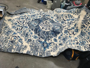Large are rug, like new condition