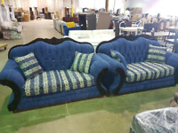Sofa 3 pics with  table and 6 chairs used only one month 2500$