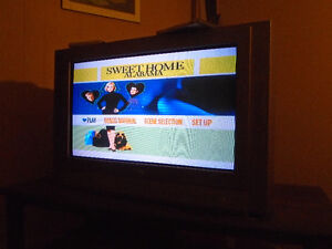 30-in. TV *Excellent Condition