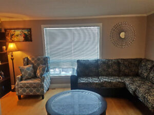 Beautiful 4 BR Cottage.  Last Minute Deal!