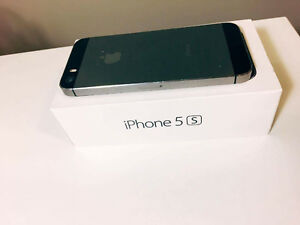 IPhone 5S Space Grey 16GB Fido - Box included Kitchener / Waterloo Kitchener Area image 3