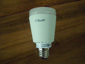 ***BeeWi BBL227 7W Smart LED Colour Light Bulb