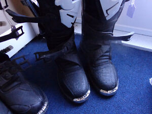 Motocross boots sizes 4,4,4,5,8,9,13,14- recycledgear.ca