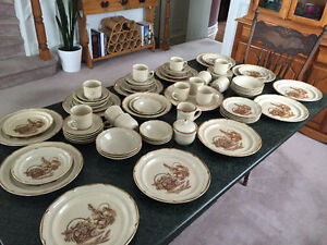 DISHES Vintage Stoneware Sunmarc Endura Collection