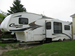 2006 Cougar 27.6 ft. Fifth Wheel for Sale