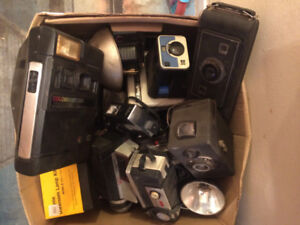 Box full of antique / vintage cameras (approx 16)