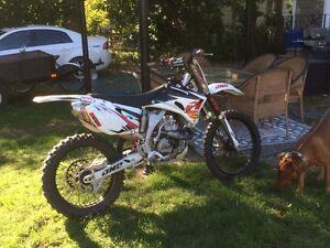 Yamaha yz450 2500$