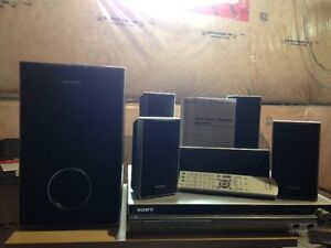 SONY HOME THEATRE(PRICE CAN BE NEGOTIATE)