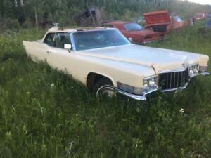 1970 Cadillac convertible for parts or restoring