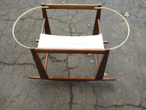 Jolly Jumper wood rocking Bassinet Stand espresso colour