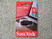 SanDisk 32 GB/Go USB Flash Drive...still in SEALED package !