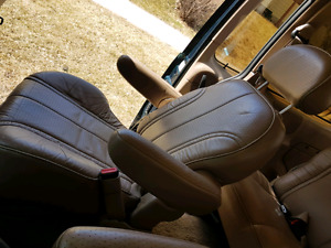 Leather back row seat and 2 leather captain armchairs