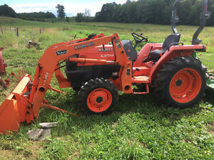 Kubota L3700su with loader