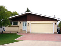 5 Bedroom Bungalow with In-law 2 bdr Suite in St Vital