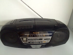 Radio Panasonic cassette et CD