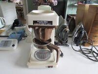 Cafetière filtre,fer à repasser,bouilloire,réchauffe-sadwiches
