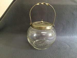 Collectible Antique Antique Glass S & B E.P.N.S. Biscuit Jar London Ontario image 4
