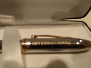 Cross Townsend Medalist Selectip Rolling Ball Pen In Polished Ch Sarnia Sarnia Area image 2